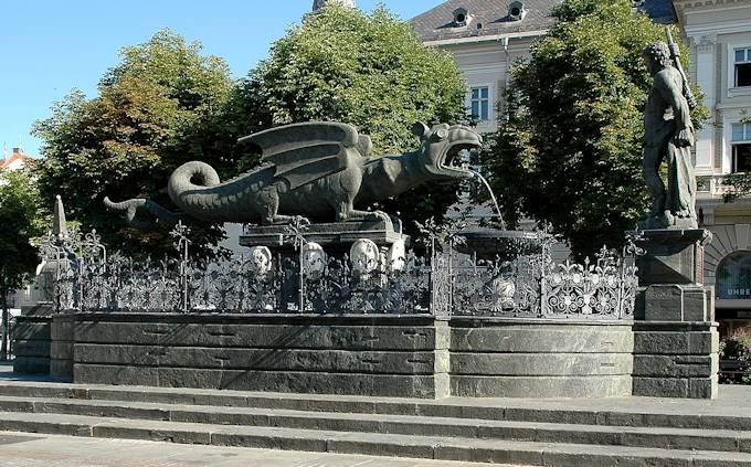 http://www.viaggio-in-austria.it/klagenfurt5.jpg